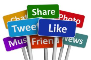alltwitter-social-media-signpost